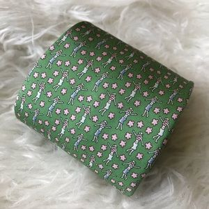Vineyard Vines Accessories - Vineyard Vines green hula girl w flowers silk tie
